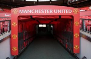 Χαμός στα αποδυτήρια του Old Trafford μεταξύ των δυο ομάδων του Manchester