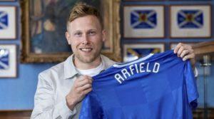Στους Rangers από την Burnley ο Arfield